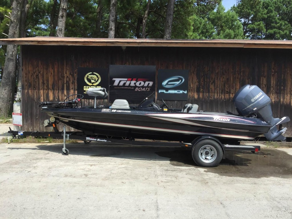 SOLD OUT 11 Triton Boats 18EXPLORER with YAMAHA F150