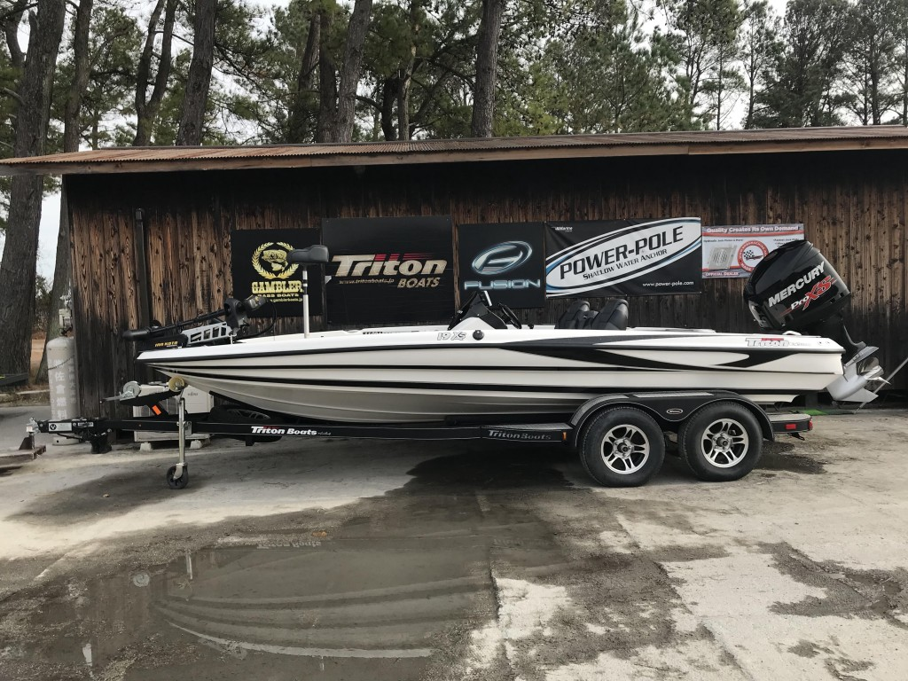 SOLD OUT '13 TritonBoats 19XS with OPTIMAX Pro XS 225