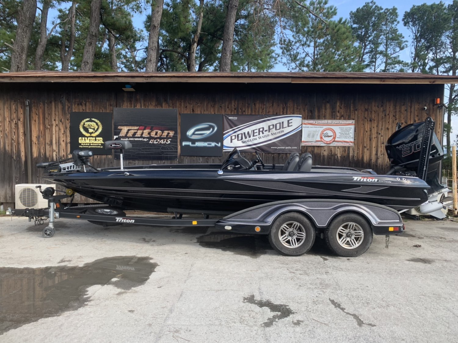 SOLD OUT '17 Triton Boats 21TRX ELITE with 300XS