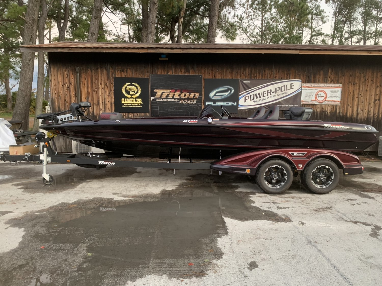 2021年末まで保管料サービス Triton Boats 21TRXS ELITE with SHO275