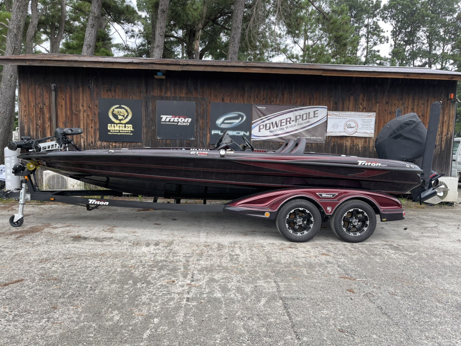 SOLD OUT  '19 Triton Boats 21TRXS ELITE with SHO275
